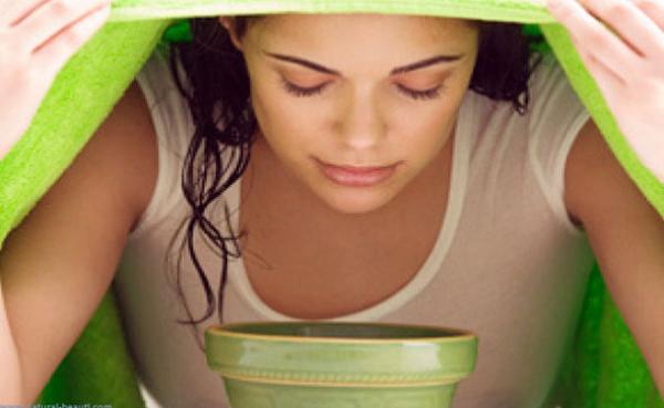 Xông mặt bằng nước trà xanh