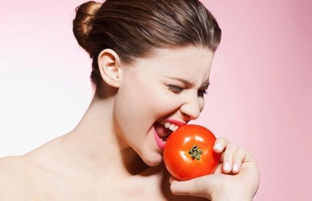 cách làm trắng da hiệu quả với cà chua