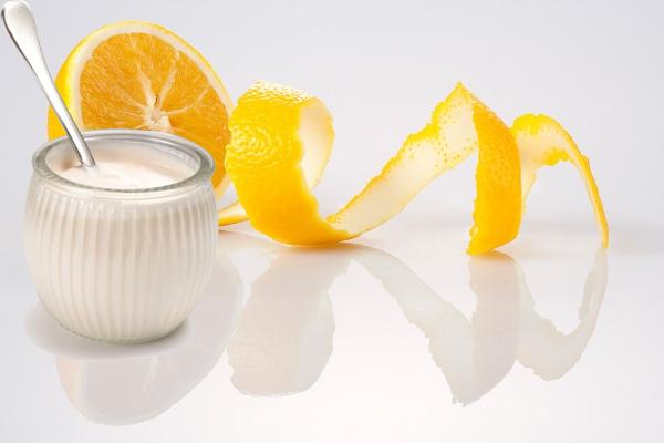 dùng vỏ cam làm trắng da tại nhà an toàn