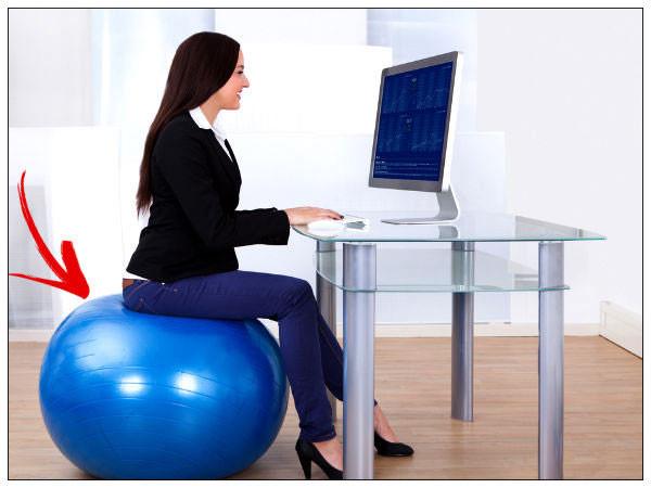 xu hướng ngồi ghế bóng văn phòng