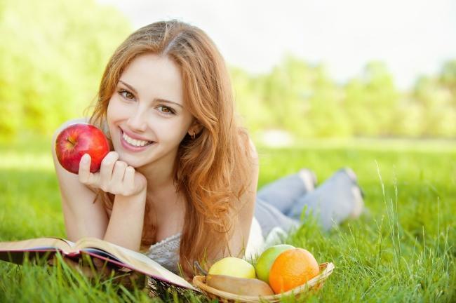 trái táo cho làn da trắng sáng rạng rỡ